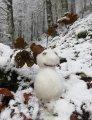 Killian a laissé un joli copain de neige dodu dans un des multiples contours...